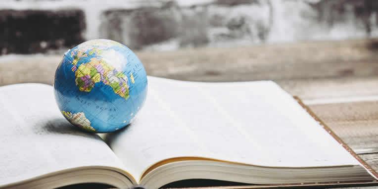 海外翻訳ミステリなど世界が舞台の小説を紹介
